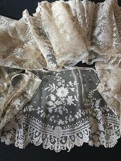 Antique Lace- Circa 19thc. Lovely Long Brussels Lace Flounce