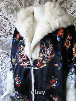 CIRCA 1920s, SUPERB CHINESE EMBROIDERED COAT WithFIGURES, BUTTERFLIES