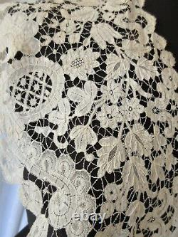 Exquisite Antique Brussels Duchess Lace Shawl Collar. Collector Study