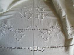 Gorgeous Vintage French Metis Linen Dowry Sheet Hand Embroidered Daisies UNUSED
