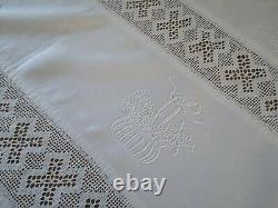 Vintage hand embroidered Irish linen crochet lace tablecloth/bedspread Floral