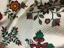Wonderful hand Applique quilt done in just wonderful colors and nice 92 x 94